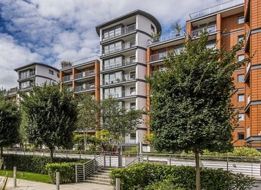Holland Gardens, Brentford, TW8
