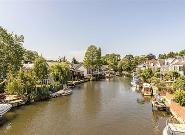 Sunbury Court Island, Sunbury-On-Thames, TW16