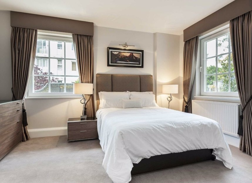 Properties for sale in Admiral Square - SW10 0UU view3