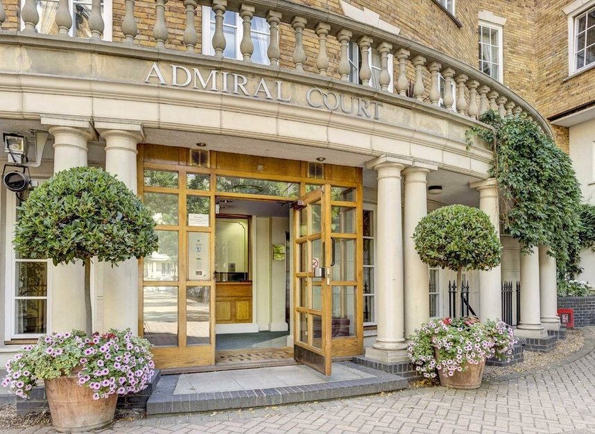Properties for sale in Admiral Square - SW10 0UU view5