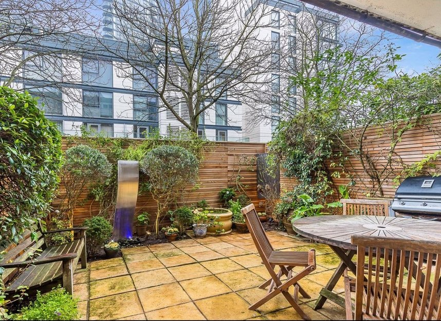 Properties for sale in Admiral Square - SW10 0UU view8