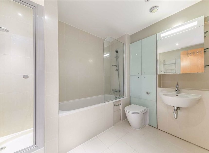 Properties for sale in Albert Embankment - SE1 7XN view8