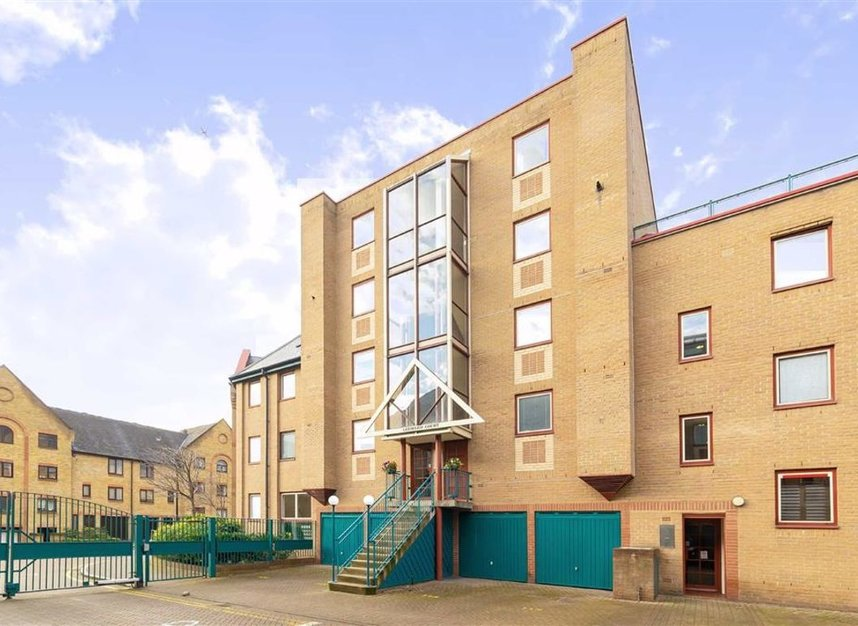 Properties for sale in Asher Way - E1W 2JZ view2