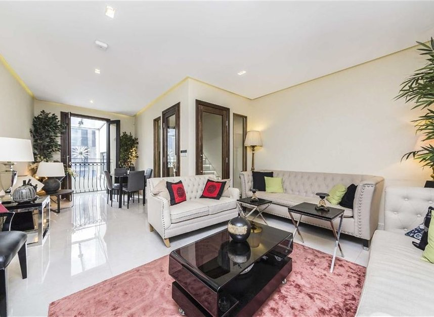 Properties for sale in Battersea Square - SW11 3RA view2