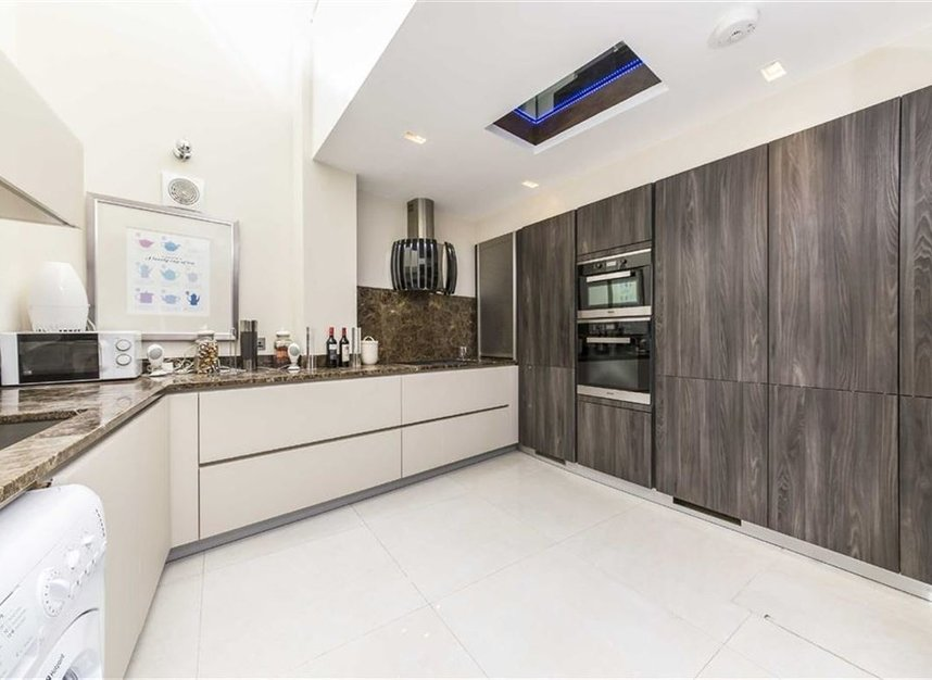 Properties for sale in Battersea Square - SW11 3RA view3