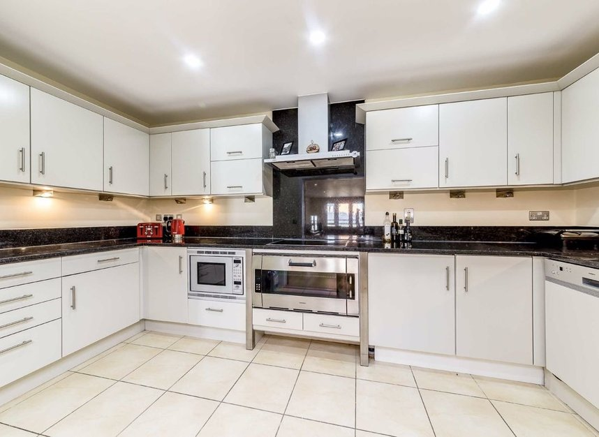 Properties for sale in Brewhouse Lane - SW15 2JX view3