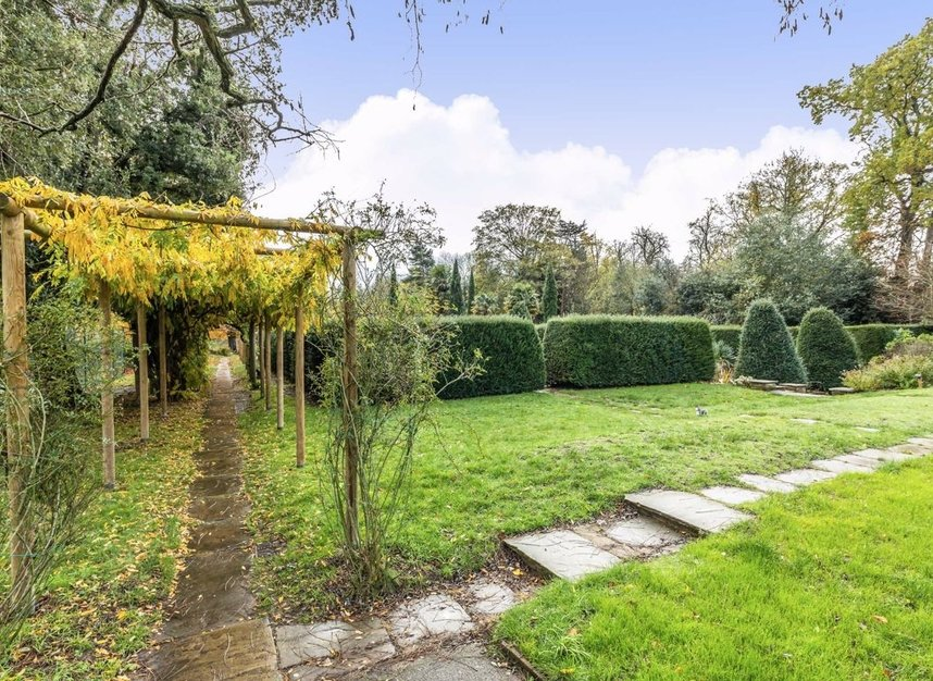 Properties for sale in Cambridge Park - TW1 2JQ view8