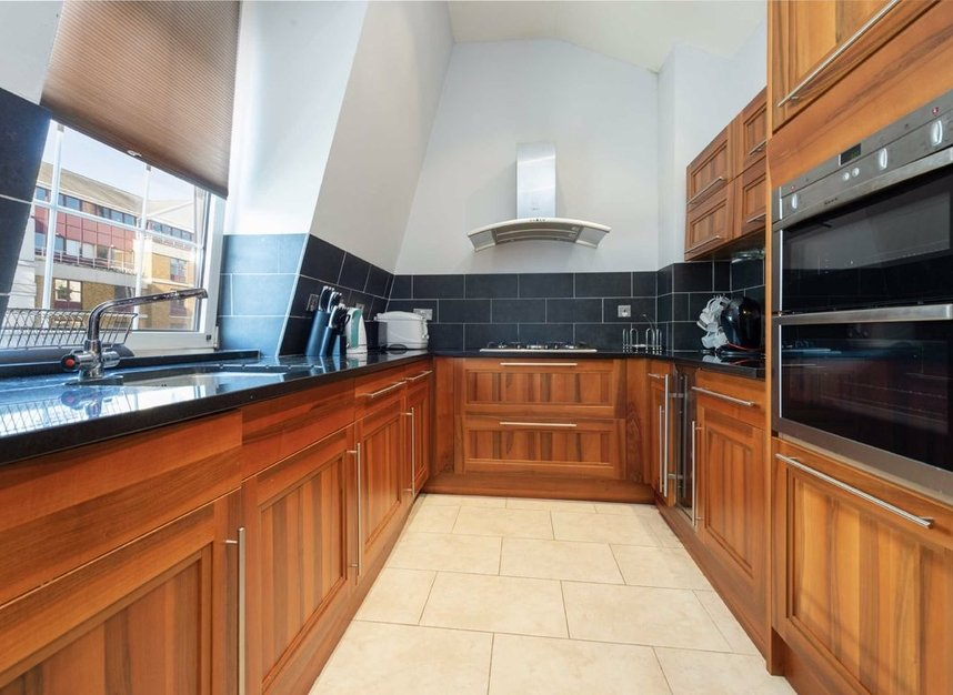 Properties sold in Carlyle Court - SW10 0UQ view5