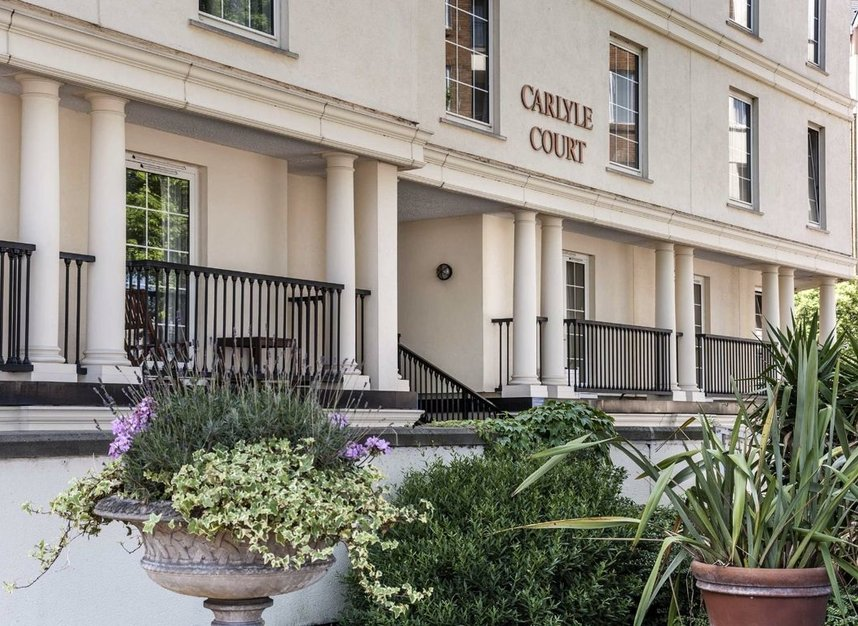 Properties for sale in Carlyle Court - SW10 0UQ view2