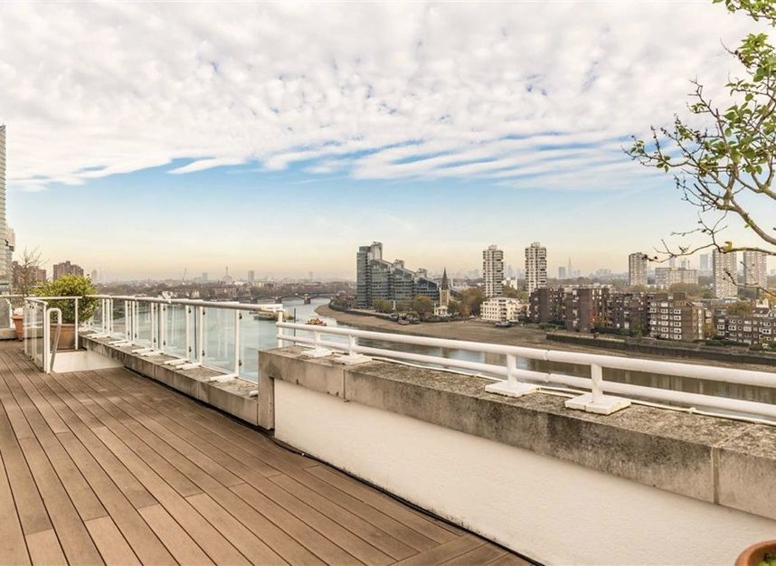 Properties for sale in Chelsea Crescent - SW10 0XB view8