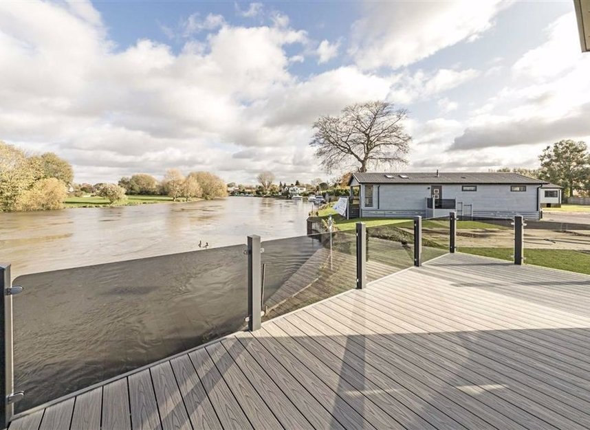 Properties for sale in Chertsey Lane - TW18 3ND view1