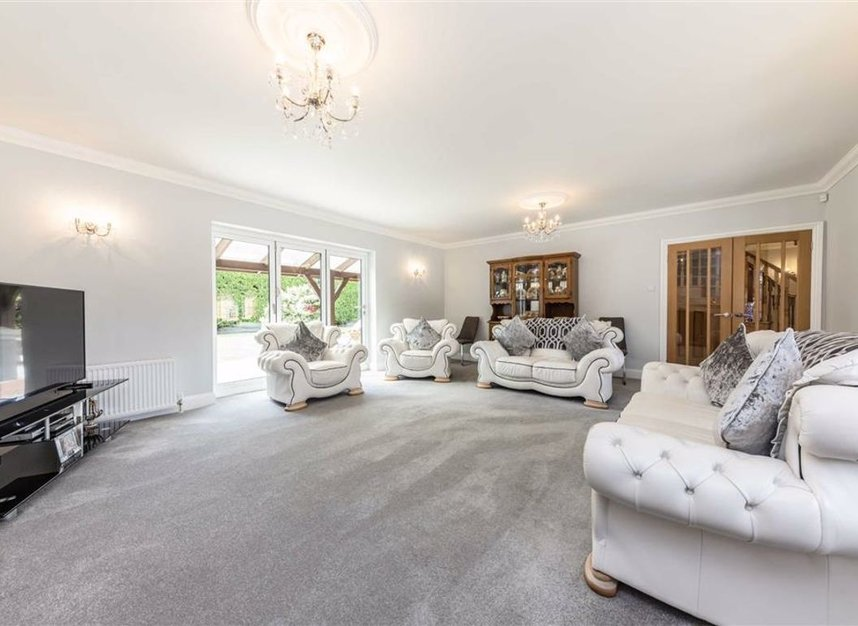 Properties for sale in Chertsey Lane - TW18 3LY view4