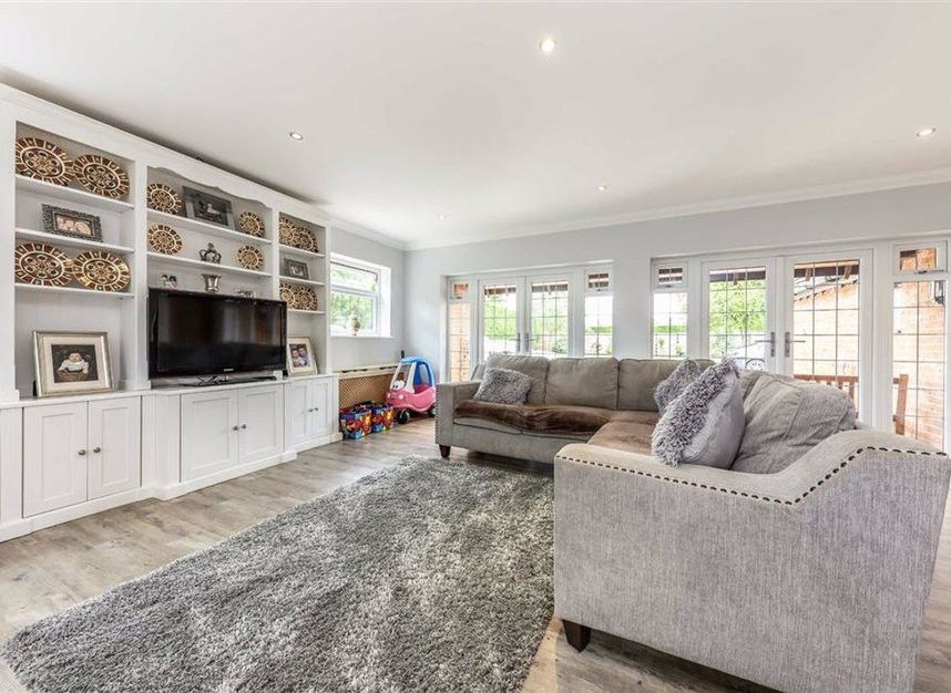 Properties for sale in Chertsey Lane - TW18 3LY view6