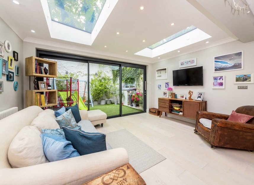 Properties for sale in Church Street - TW7 6BG view5