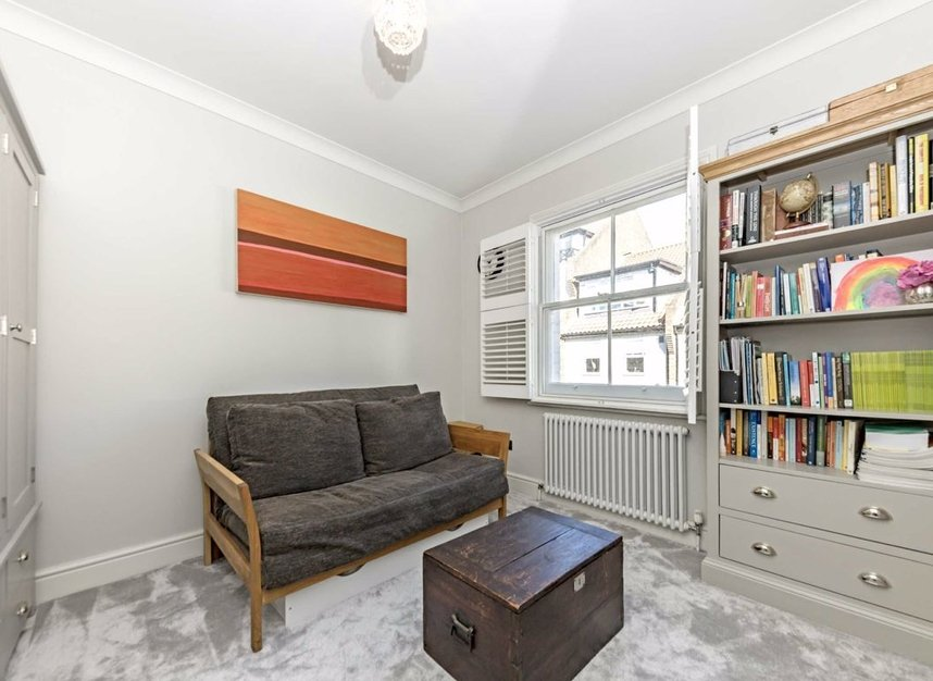 Properties for sale in Church Street - TW7 6BG view9