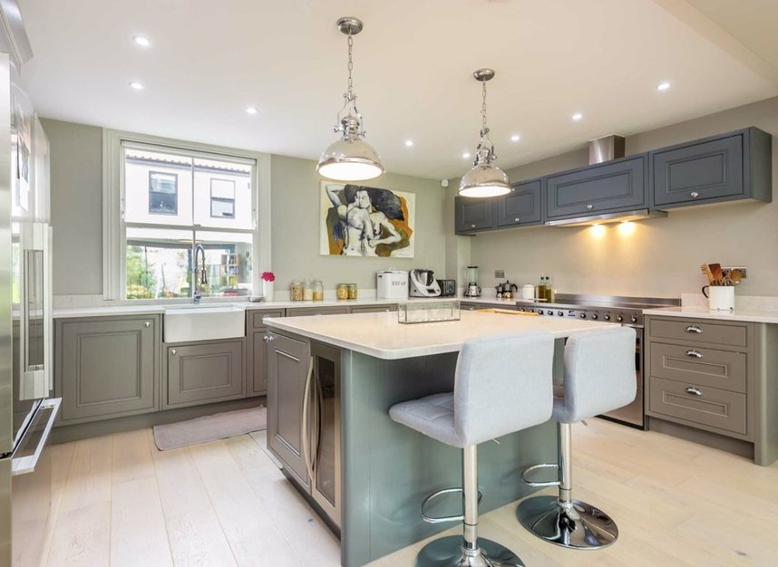 Properties for sale in Church Street - TW7 6BG view4