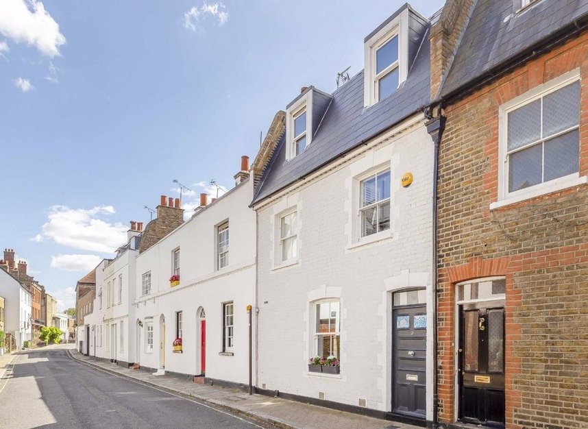 Properties for sale in Church Street - TW7 6BG view1