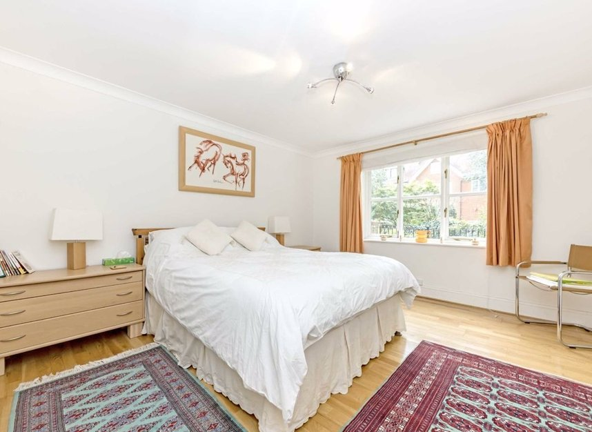 Properties for sale in Clevedon Road - TW1 2HU view5