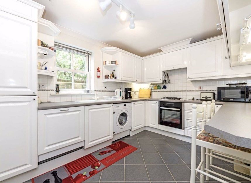 Properties for sale in Clevedon Road - TW1 2HU view4