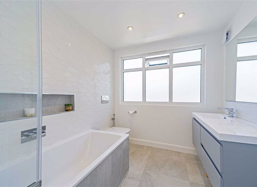 Properties for sale in Common Lane - KT15 3LL view6