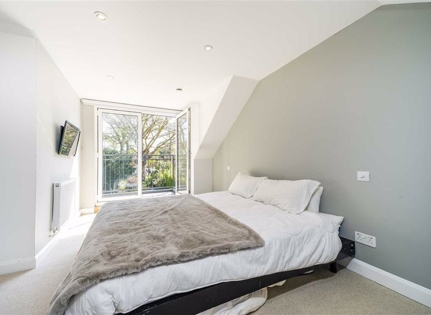 Properties for sale in Common Lane - KT15 3LL view5