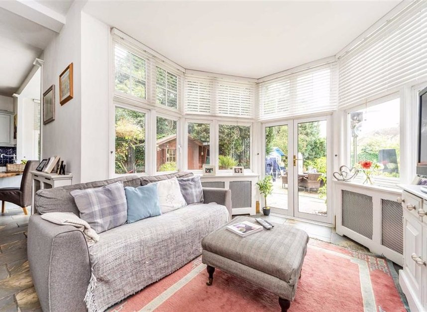 Properties for sale in Condor Road - TW18 1UG view5