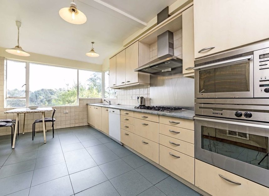 Properties for sale in Cross Deep - TW1 4QJ view6