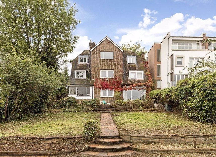 Properties for sale in Cross Deep - TW1 4QJ view1