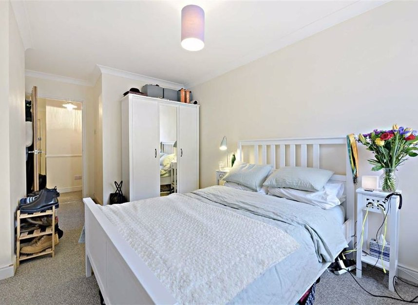 Properties for sale in Curlew Street - SE1 2NN view5