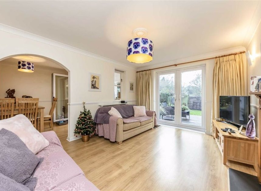 Properties for sale in Davis Road - KT13 0XH view4
