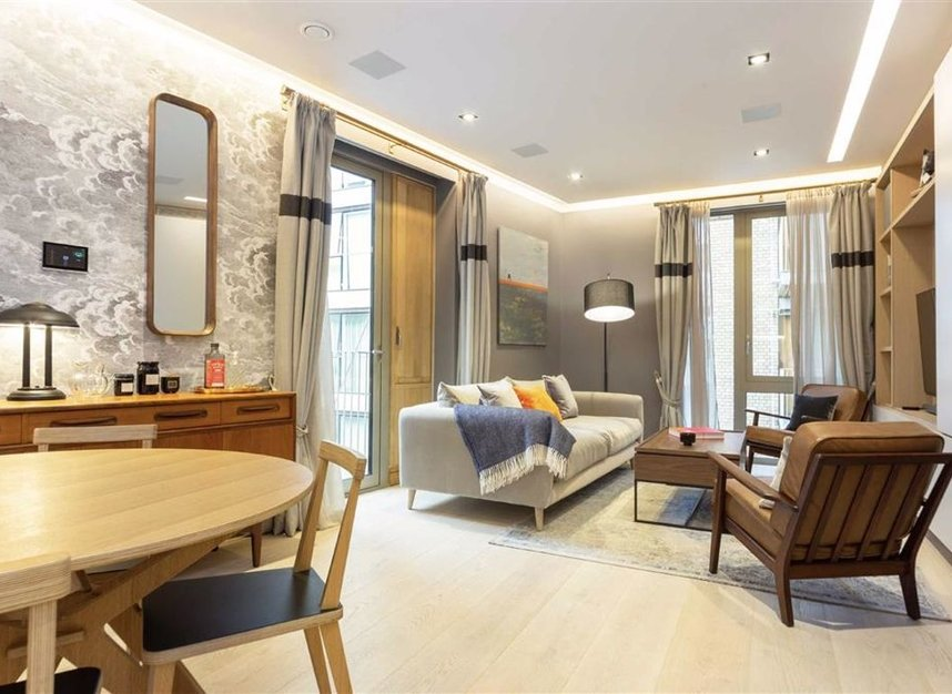 Properties for sale in Duchess Walk - SE1 2RY view1