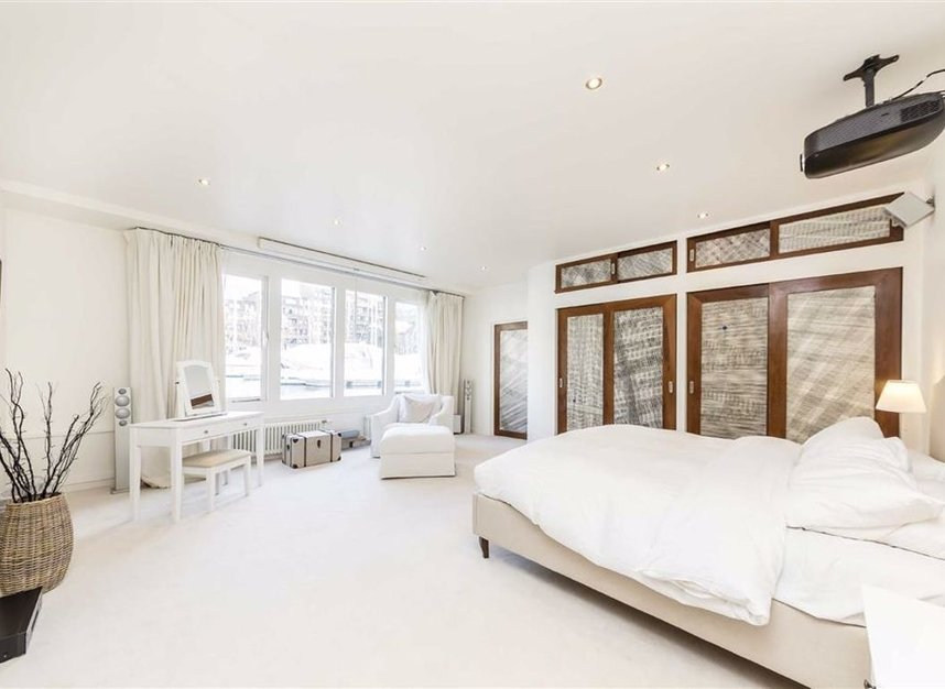 Properties for sale in East Smithfield - E1W 1AT view6