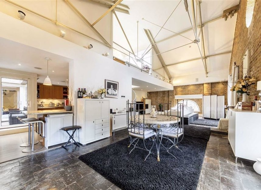 Properties for sale in East Smithfield - E1W 1AT view2