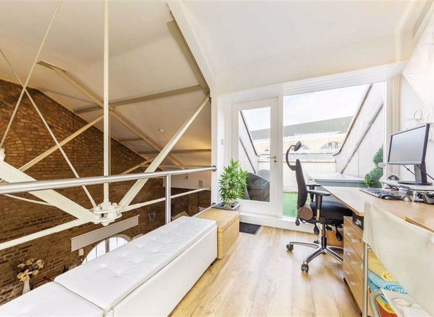 Properties for sale in East Smithfield - E1W 1AT view12