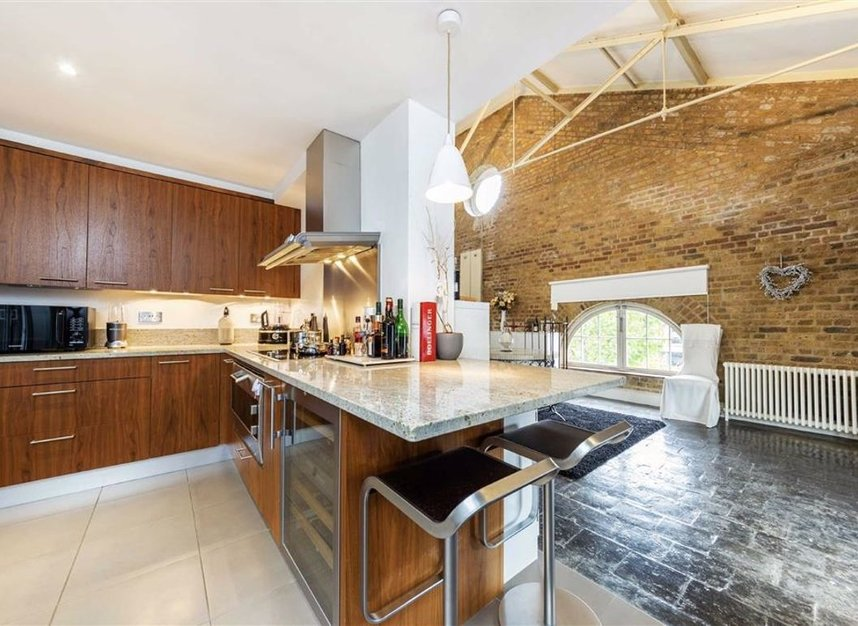 Properties for sale in East Smithfield - E1W 1AT view3
