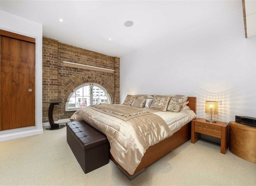 Properties for sale in East Smithfield - E1W 1AT view10