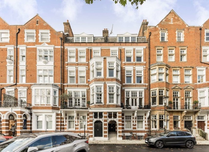 Properties for sale in Embankment Gardens - SW3 4LJ view5