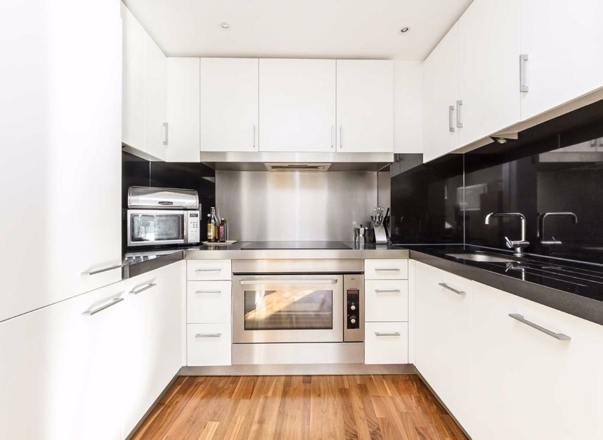 Properties for sale in Fairmont Avenue - E14 9PX view3
