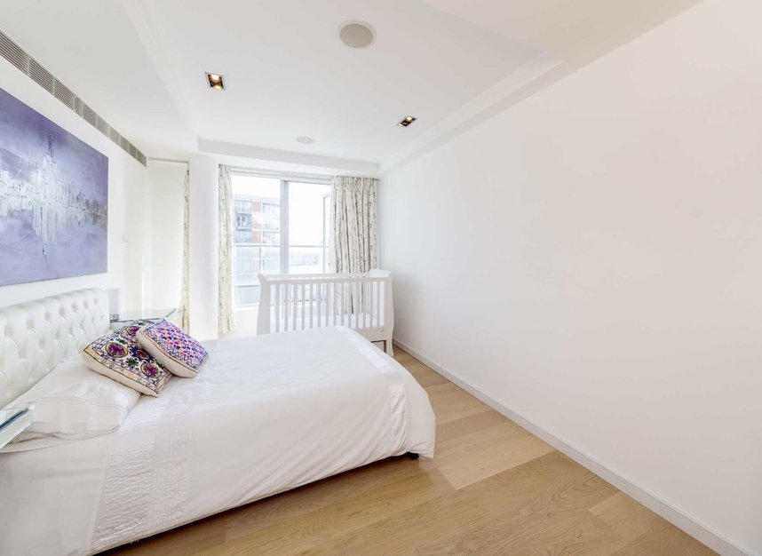 Properties for sale in Fairmont Avenue - E14 9PJ view5