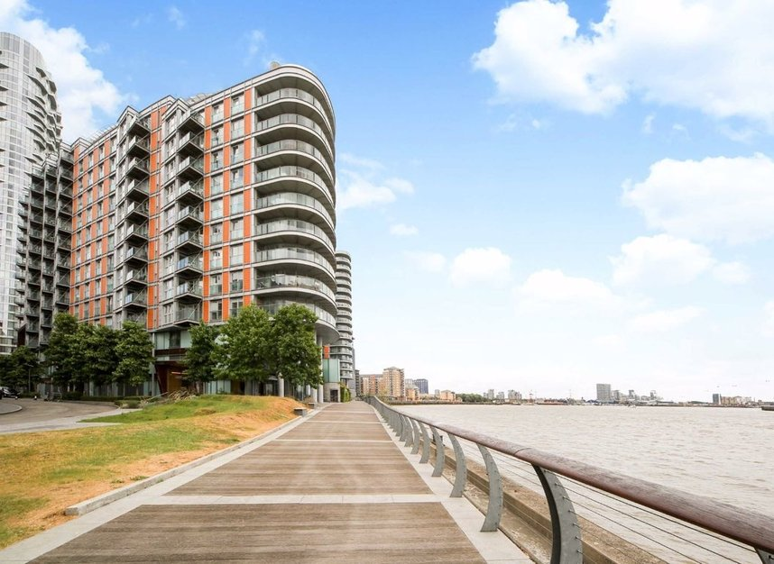 Properties for sale in Fairmont Avenue - E14 9PJ view1