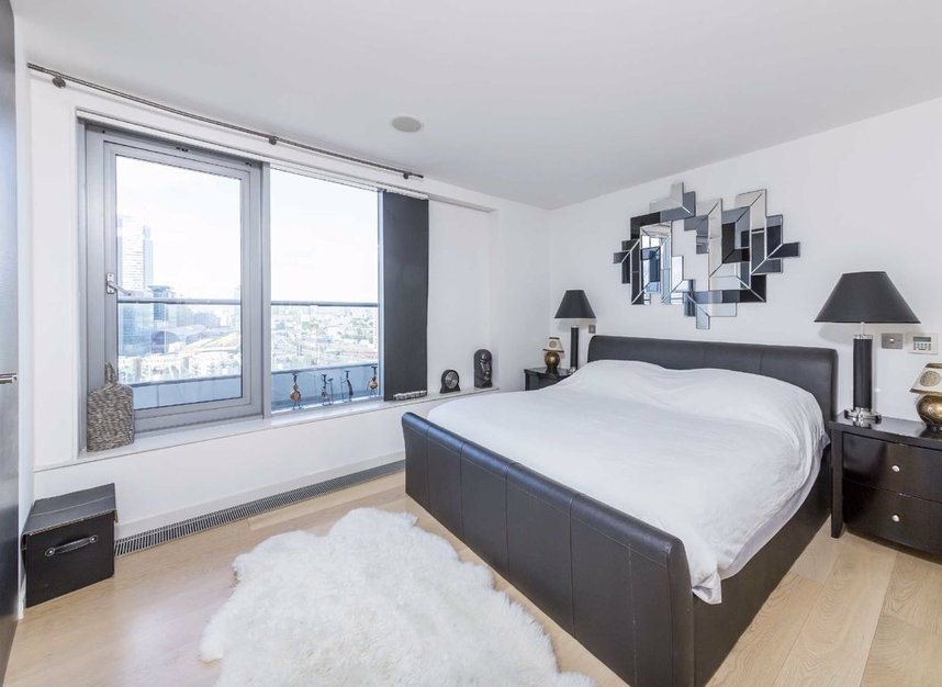 Properties for sale in Fairmont Avenue - E14 9PJ view4