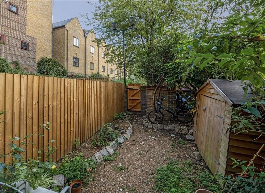 Properties for sale in Greenland Quay - SE16 7RW view9