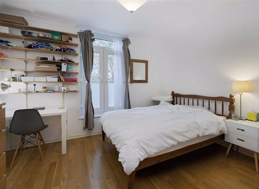 Properties for sale in Greenland Quay - SE16 7RW view6