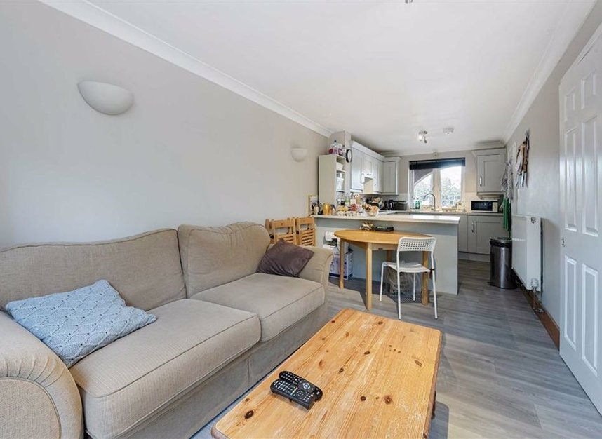 Properties for sale in Greenland Quay - SE16 7RW view4