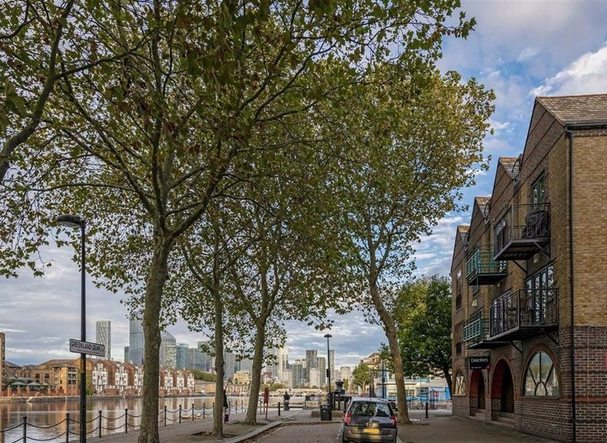 Properties for sale in Greenland Quay - SE16 7RW view1