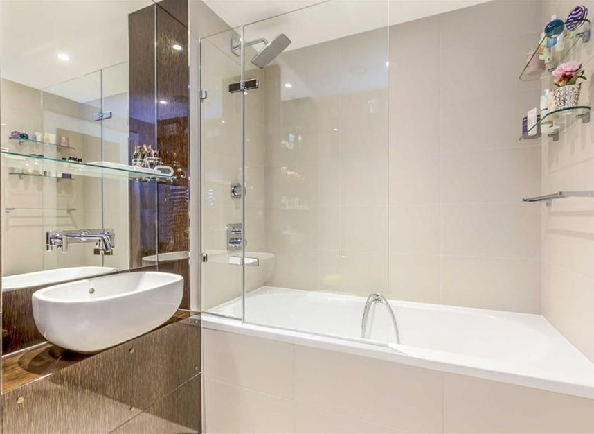 Properties for sale in Henry Macaulay Avenue - KT2 5FE view7