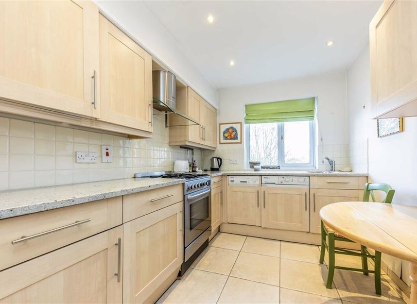 Properties for sale in Hillrise - KT12 2PE view6