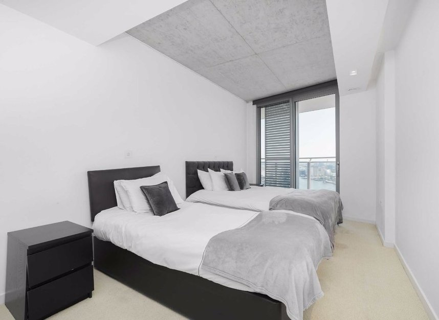 Properties for sale in Hoola Building - E16 9BF view8