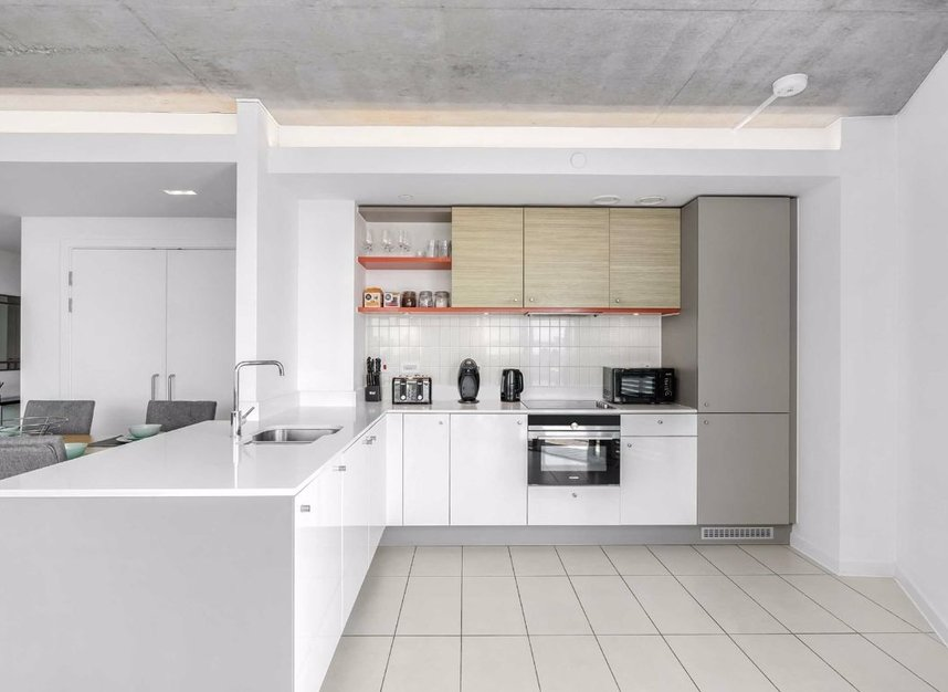 Properties for sale in Hoola Building - E16 9BF view7