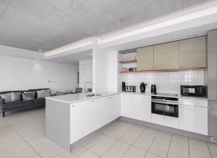 Properties for sale in Hoola Building - E16 9BF view6